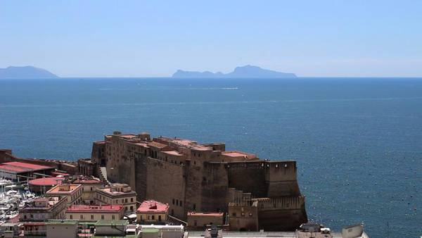 Castel dell'Ovo l'antico porto Napoli